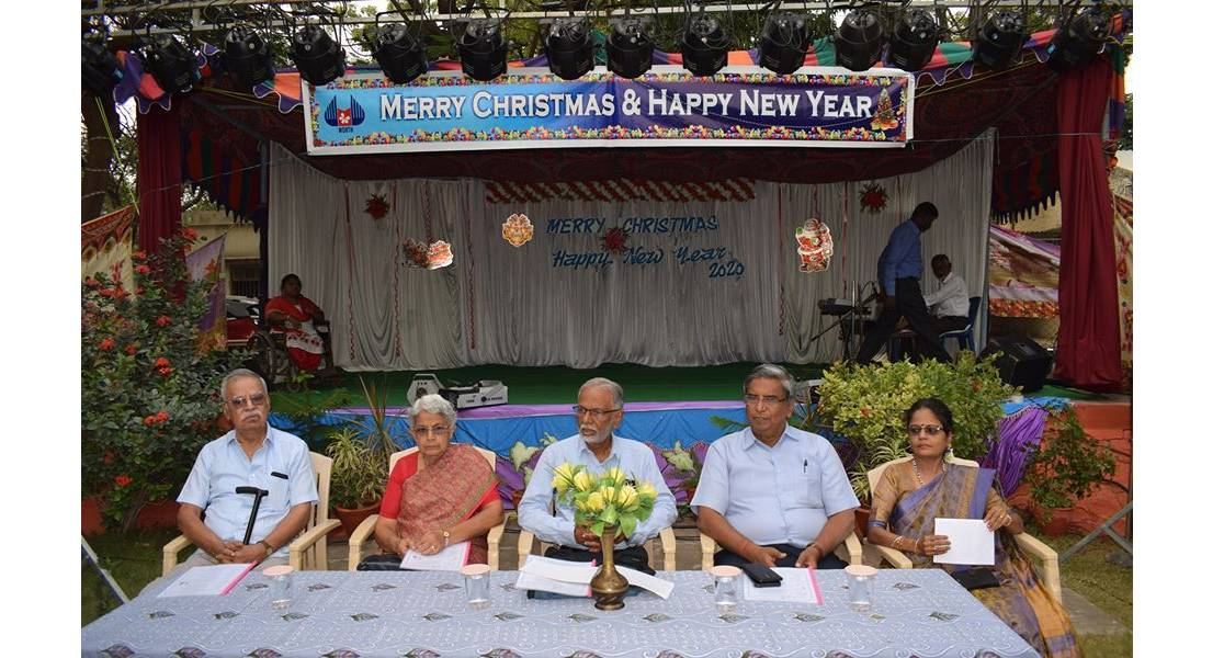 christmas celebration guest group photo